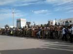 Des milliers de personnes sont venus assister et encourager les 750 participants de la Vélo-Parade à Tan-Tan